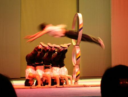 acrobatenshow-3.jpg