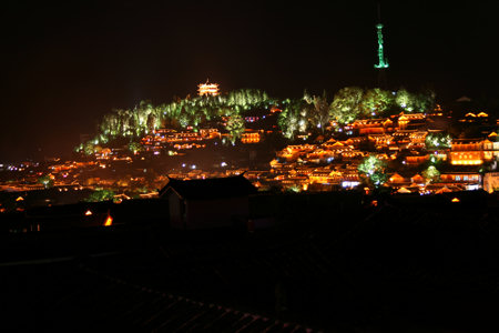 lijiang-uitzicht-nacht.jpg